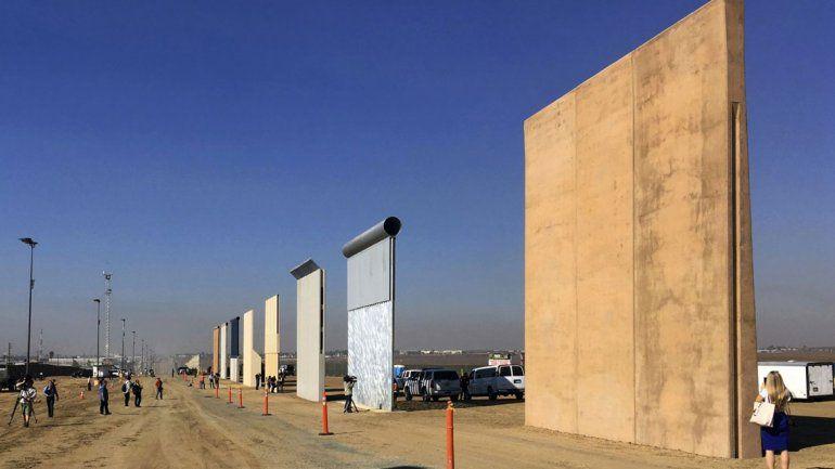 El presidente analizará ocho prototipos de muro en distintas situaciones.