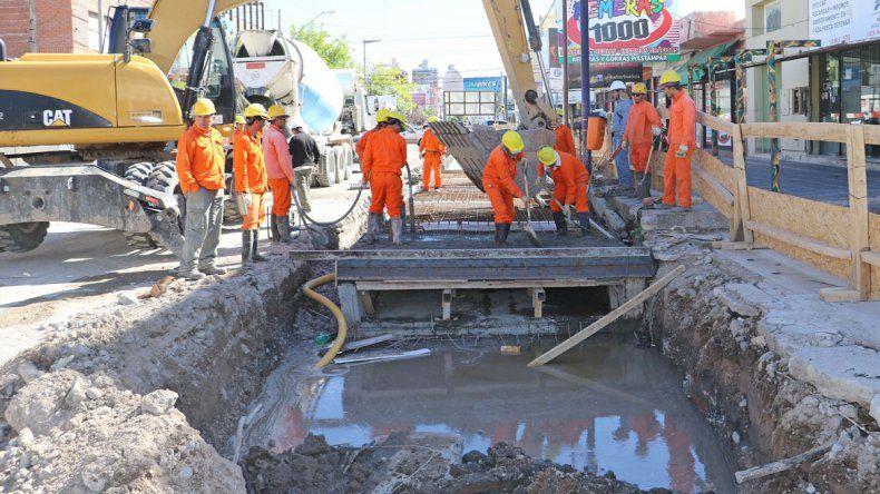 Desde mañana cortan otro tramo de Láinez por la obra del desagüe
