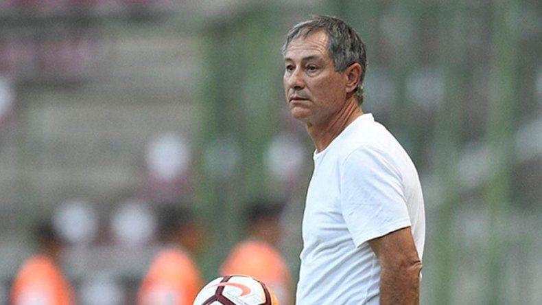 El técnico definirá hoy el equipo inicial para el choque internacional.