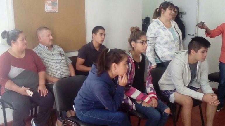 Alumnos reclaman la apertura de un curso para terminar el secundario