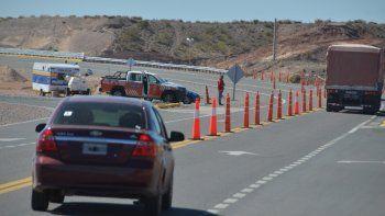 Comenzaron a multar a los automovilistas que se aprovechan de la falta de los rulos