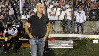 Hasta a puertas cerradas perdió esta temporada como local. Botella dirigió tres partidos en La Visera: el equipo no sumó ni marcó.