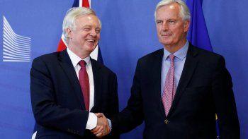 Se negoció el período de transición tras la separación británica.