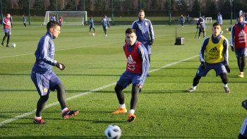 Acuña estuvo en el primer día de entrenamientos. El DT contó con 22 de los 26 futbolistas citados para la gira.
