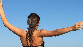 Pampita, diosa en las playas de Miami