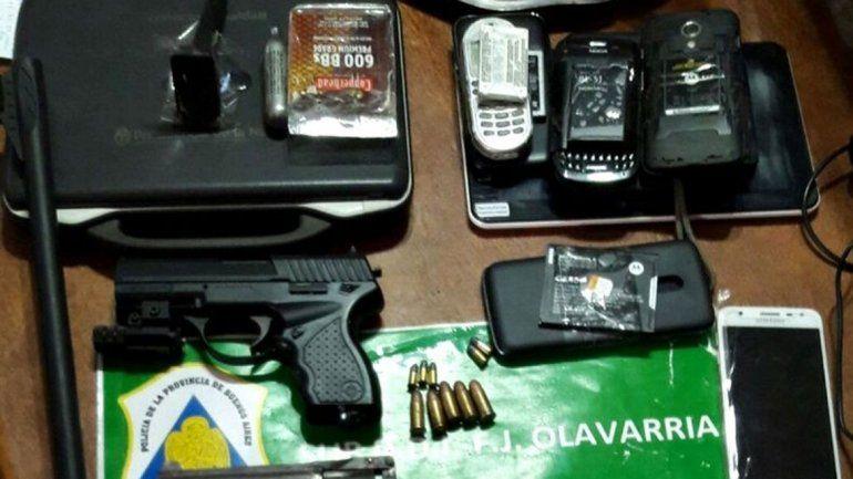 En la casa se secuestraron 4 armas y 170 plantines de marihuana.