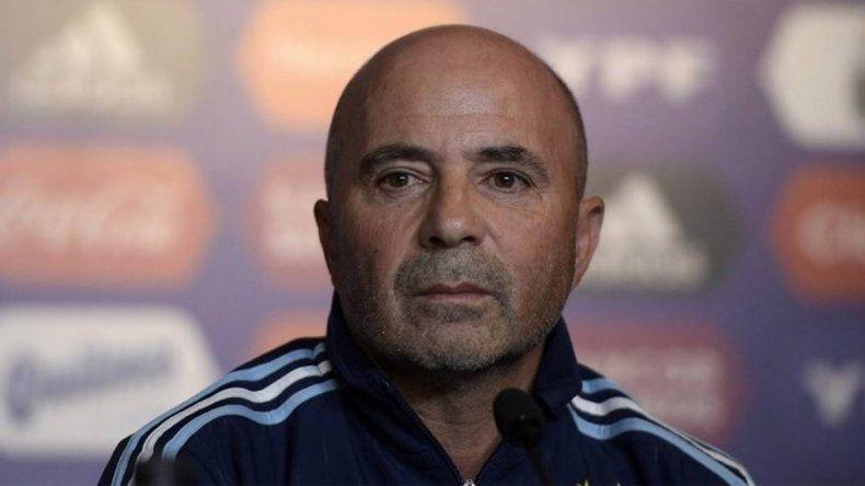 Sampaoli no dio el equipo pero confirmó el cambio de esquema