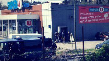 Francia: asesinó a tres personas en un súper al grito de Allah