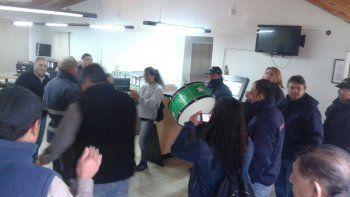 Empleados tomaron el municipio del San Patricio del Chañar