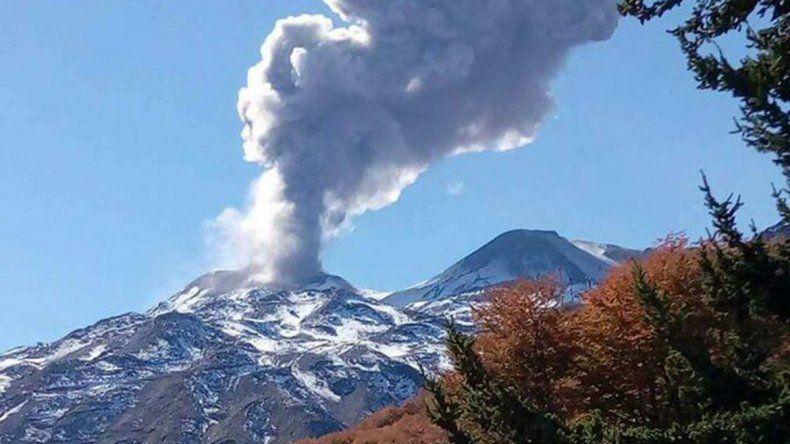 Se acrecienta actividad en el volcán Chillán: dos explosiones en menos de 24 horas