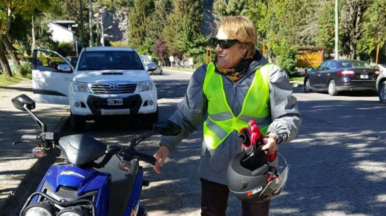 Norma, con 86 años,  recorrió Siete Lagos en su motocicleta