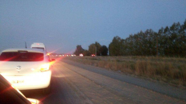 Piden precaución a la hora de regresar a casa: intenso movimiento en las rutas hacia Neuquén