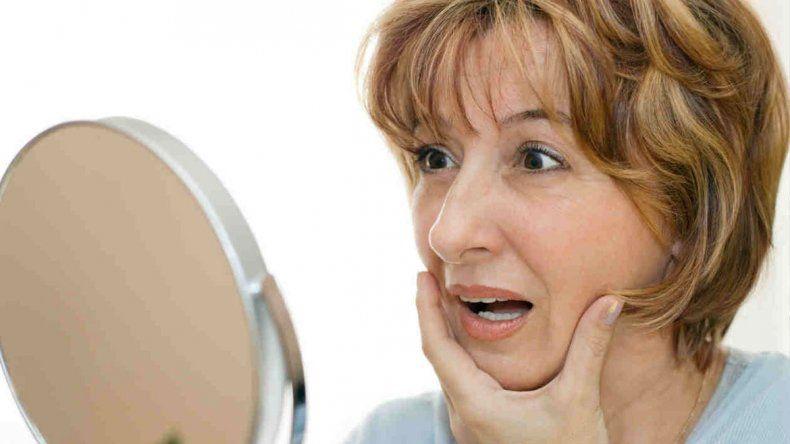 Tres de cada diez mujeres sufren desgaste óseo como consecuencia de estar pasando por esa etapa tan sensible. Los detalles a tener en cuenta.