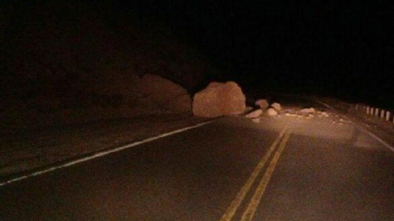 Un distribuidor de LM Neuquén se salvó de milagro de un desprendimiento de rocas