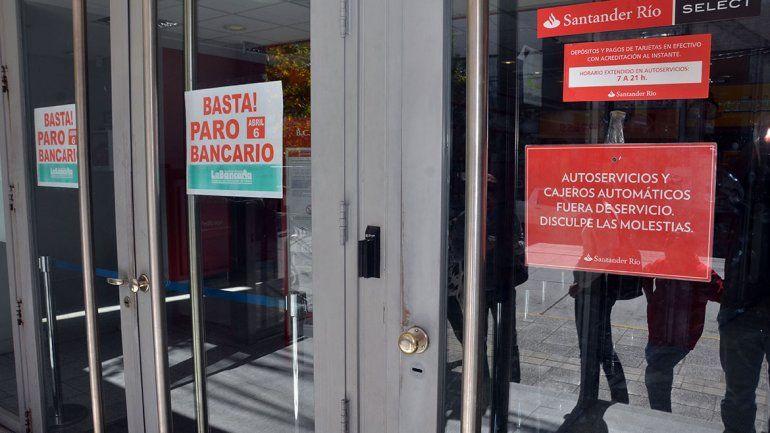 Hay escasez de efectivo por el paro de bancarios