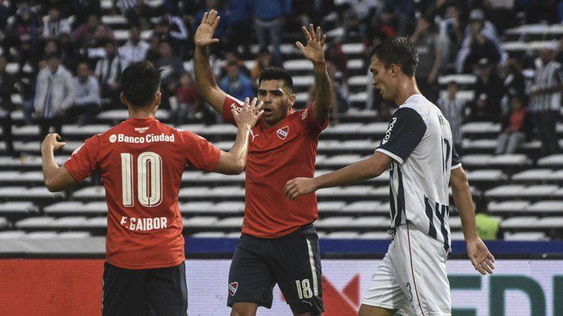 El Rojo se hizo fuerte en Córdoba y le ganó a Talleres