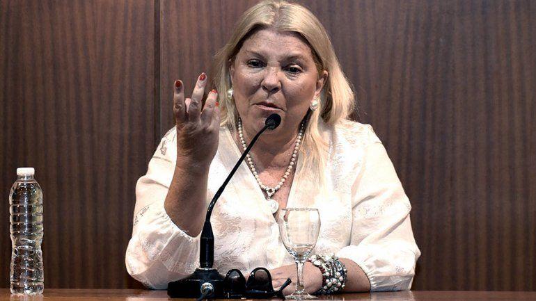 La diputada lo acusa de pergeñar una operación contra el Gobierno.