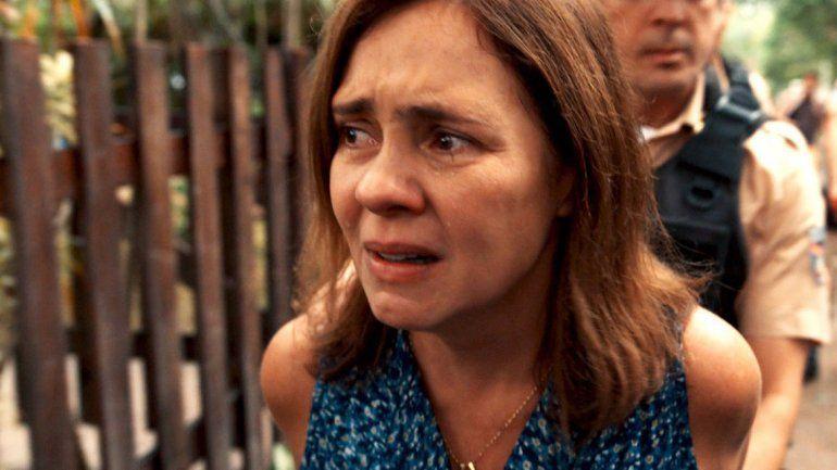 Fátima (Adriana Esteves) será encarcelada tras matar al perro de un policía que mordió a su hijo.