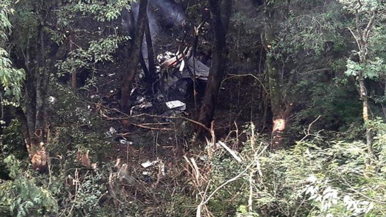 La avioneta fue encontrada en una zonamontañosa y de difícil acceso.