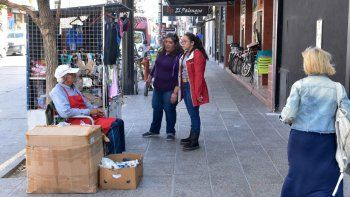 Bajó la cantidad de puestos de venta callejera en el Bajo