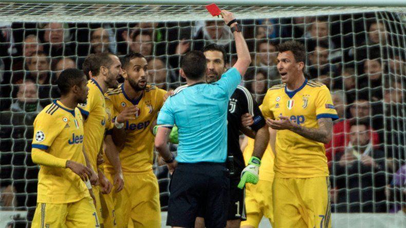 El Real pasó a semis con un penal polémico en el minuto 92