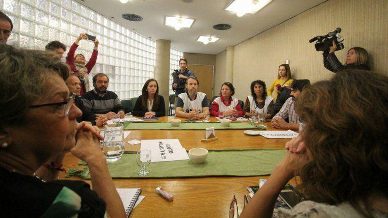 Gobierno convocó a ATEN a una mesa salarial hoy a las 18