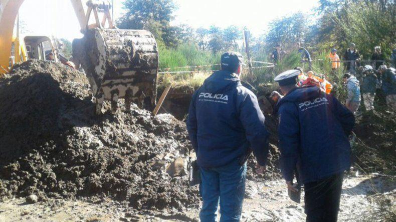 Rescataron a un operario que quedó enterrado en una obra en Villa La Angostura