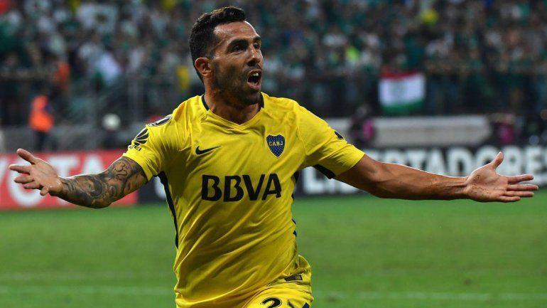 Carlitos regresó con un gol ante Palmeiras en Brasil y le envió otro mensaje al DT sobre su posición.