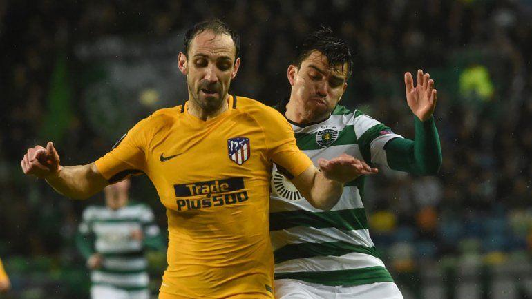 Sporting de Lisboa no pudo avanzar. El Huevo Acuña fue titular.