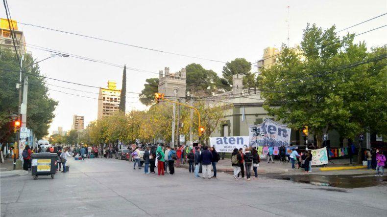 Tránsito complicado en el centro por diferentes protestas