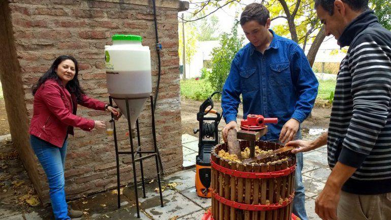 Chicha para todos: en El Chañar invitan a probar la tradicional bebida