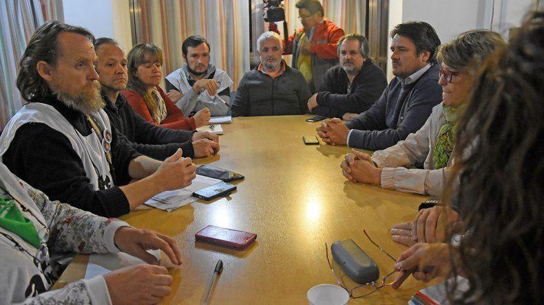 ATEN y el Gobierno vuelven a juntarse para resolver el conflicto