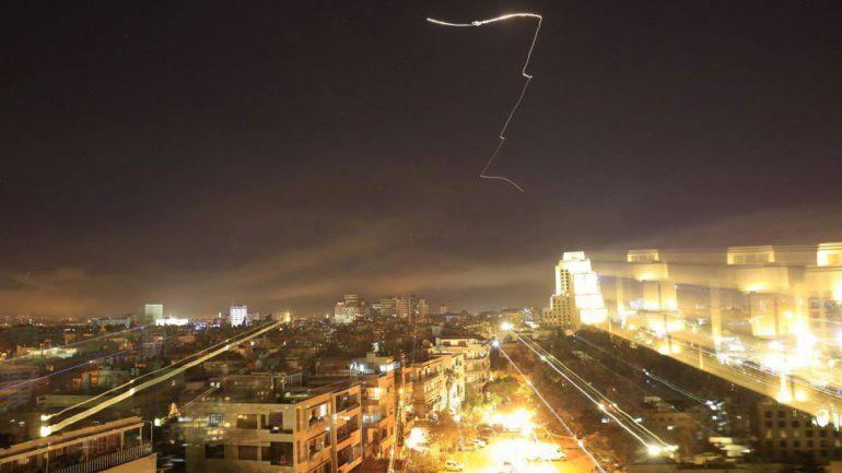 En las calles de Damasco sonaron las alarmas para advertir a la población de los ataques.