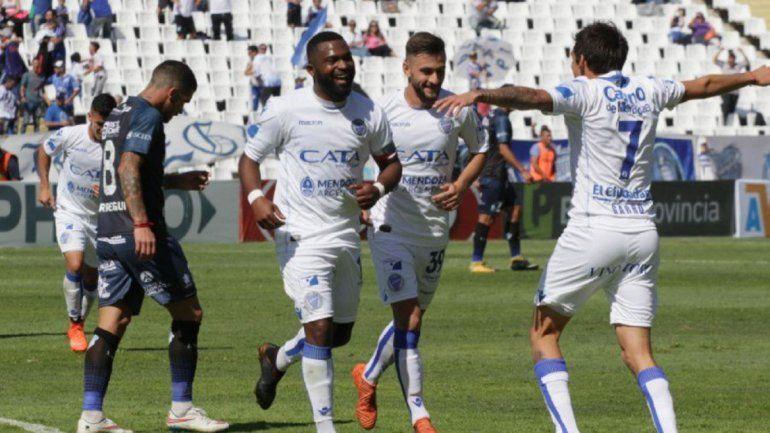 Godoy Cruz se aferra como escolta de Boca
