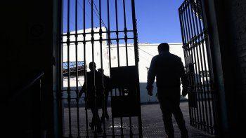 Recorrida por la U9: una cárcel vieja