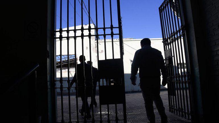 Una cárcel vieja, mil historias y ocho gatos