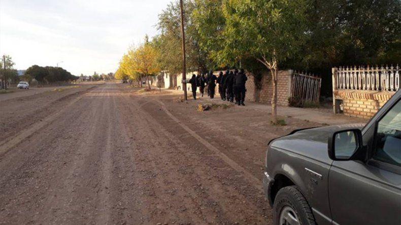 La Policía los detuvo por tener armas y droga para la venta, pero luego la Justicia los liberó