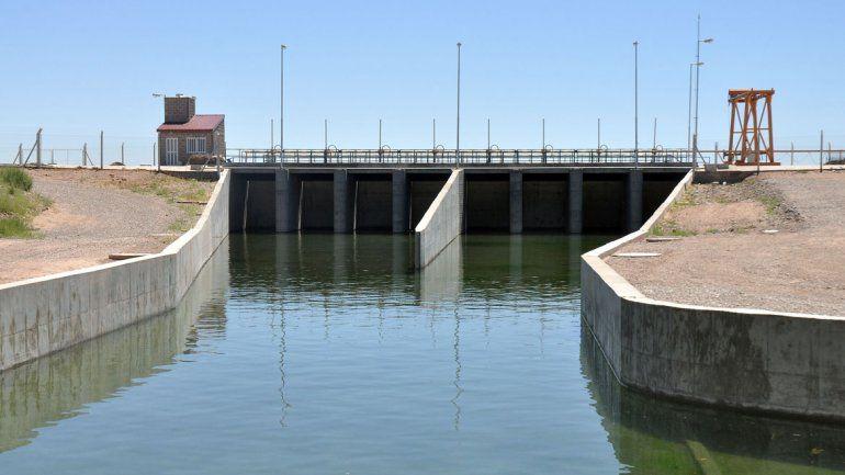 El tarifazo del EPAS recae sobre el agua del Mari Menuco