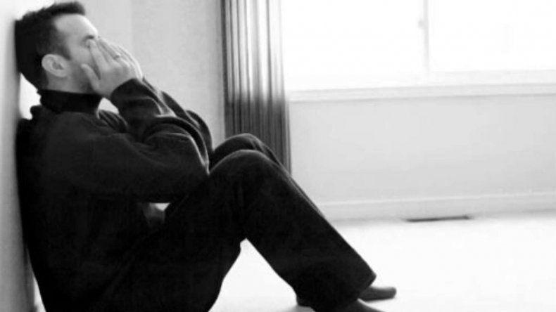 Un padre de nueve hijos pide el divorcio al enterarse que siempre fue estéril