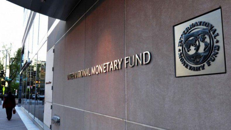 Pronóstico del FMI: el organismo prevé más inflación y una baja del crecimiento