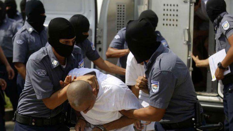 El joven asesino sería miembro de una pandilla criminal salvadoreña.