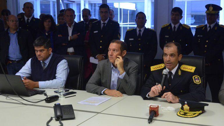 Escándalo policial estalló en la cara del gobernador