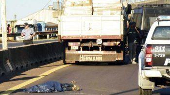 Franco Sotelo, de 24 años, estaba acorralado por la Policía cuando cruzó corriendo la ruta. Murió bajos las ruedas de un camión. Había violado a una nena.