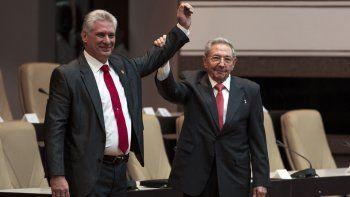Diaz-Canel asumió como presidente y prometió seguir con la Revolución