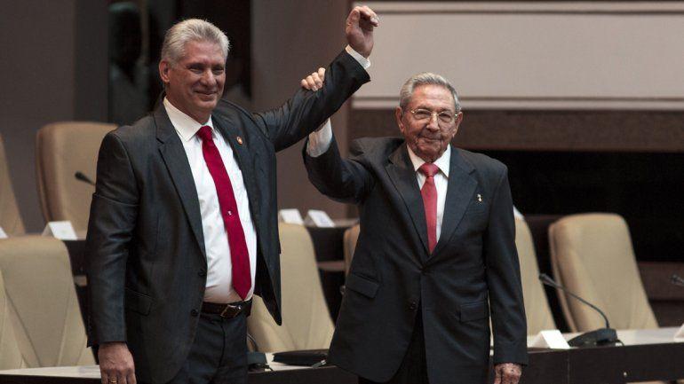 Diaz-Canel asumió como presidente y promete darle continuidad a la Revolución