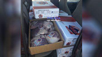 Llevaba 180 kilos de carne en una camioneta sin la cadena de frío