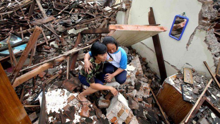 El terremoto causó graves daños en la isla de Java.