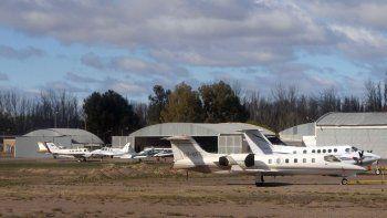 el aeropuerto no hizo el hangar y peligran los vuelos de lasa