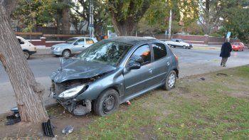 conductor agarro a pinas a otro tras un violento choque