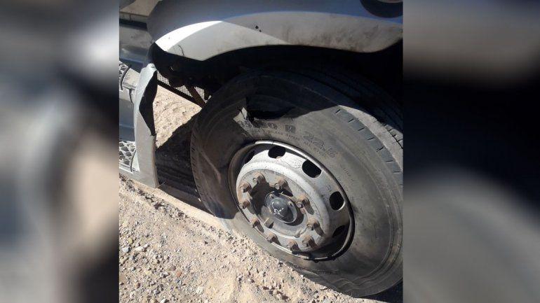 Plaza Huincul: le explotó una rueda en la cara por una descarga eléctrica